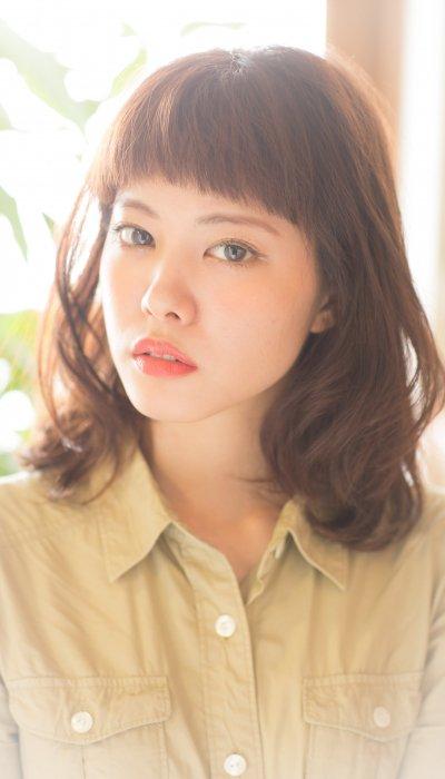 大人かわいい!耳かけ甘辛くせ毛風カール前髪ありセミディボブ 豪(佐藤).jpg