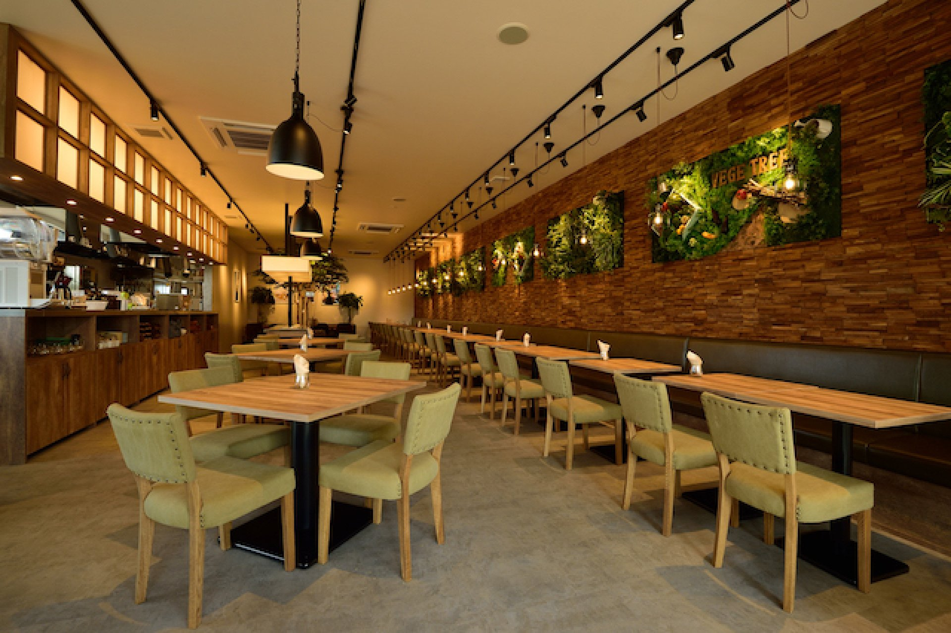 vege tree cafe0008.JPG